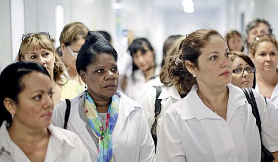 """Nothilfe: Streit um """"Ärzteimport"""" in Brasilien"""