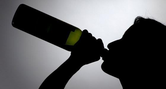 Die Probleme des Alkoholismus in den Familien