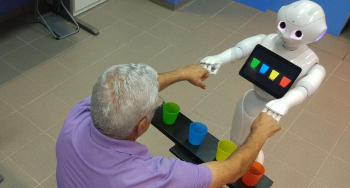 Einsatz von Robotern in der Reha braucht vertrauensfördernde Maßnahmen